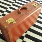 Handsydd resväska/koffert