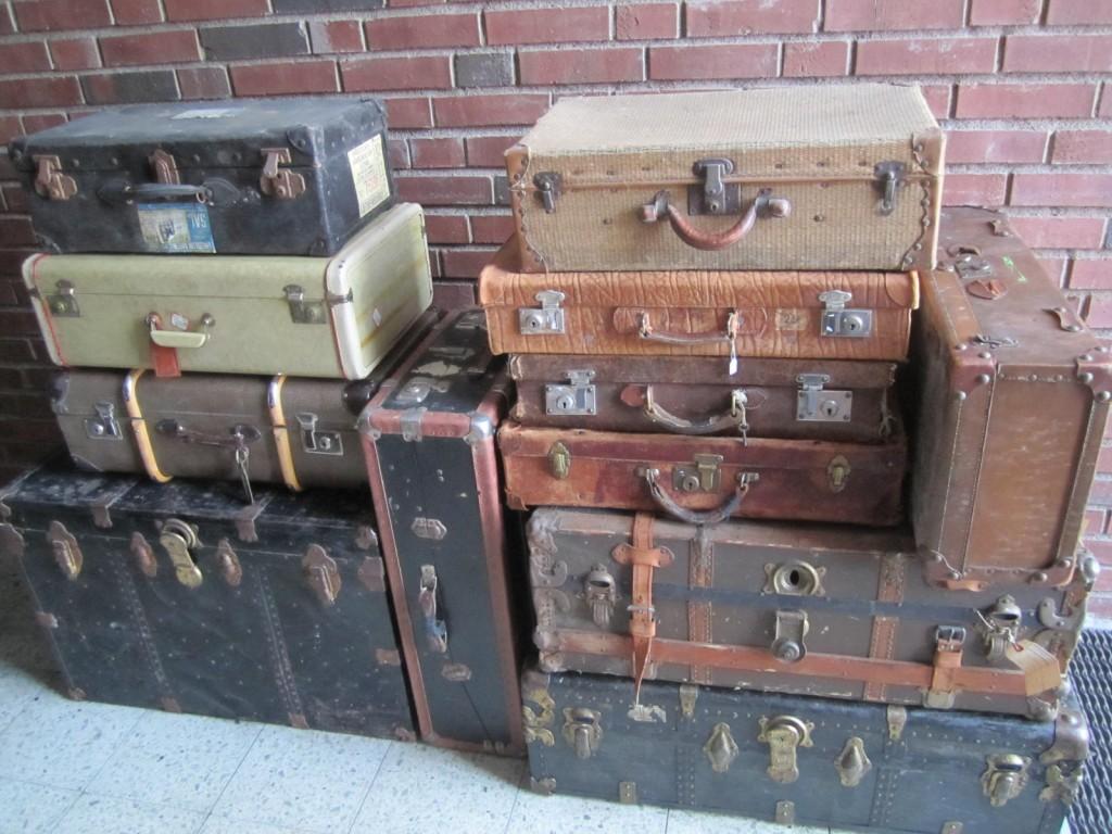 Del av koffertsamlingen. Sålt till Dusty Deco, Östermalm.
